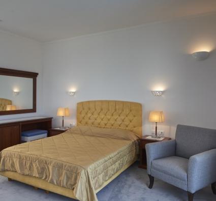 Room 313 - 4